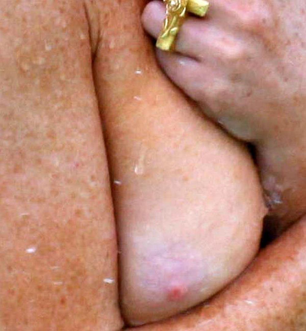 Lindsay lohan anal fuck, spread nude